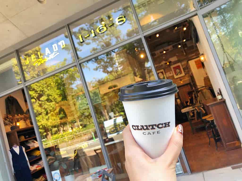 靱公園すぐのクラッチカフェ大阪の外観とコーヒー